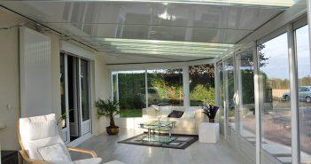 Une véranda transformée en salon design